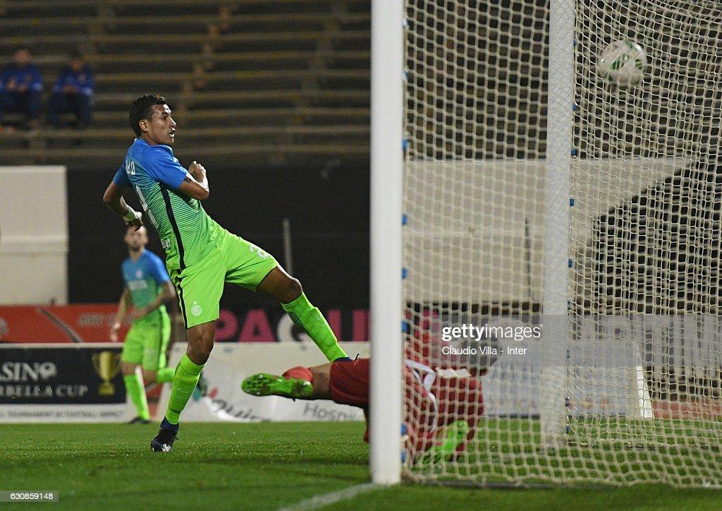 Jeison Murillo of FC Internazionale scores the first goal during the friendly match at Estadio Municipal de La Linea de la Conception on January 3, 2017 in Cadiz, Spain.