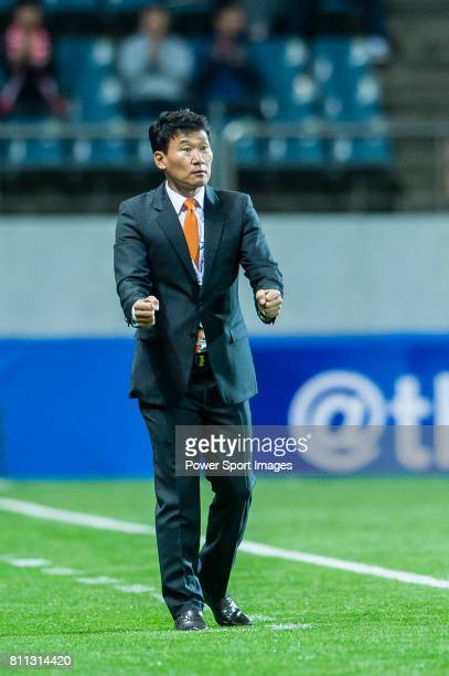 Jeju United Head Coach Cho Sung Hwan reacts during the AFC Champions League 2017 Group Stage Group H match between Jeju United FC vs Adelaide United...