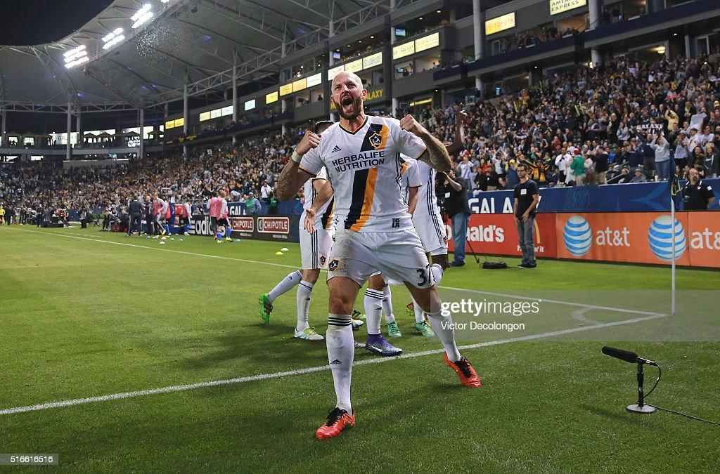 San Jose Earthquakes v Los Angeles Galaxy