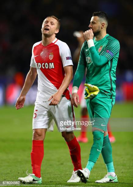 Jemerson of AS Monaco and Danijel Subasic of AS Monaco speak at full time during the UEFA Champions League Semi Final first leg match between AS...
