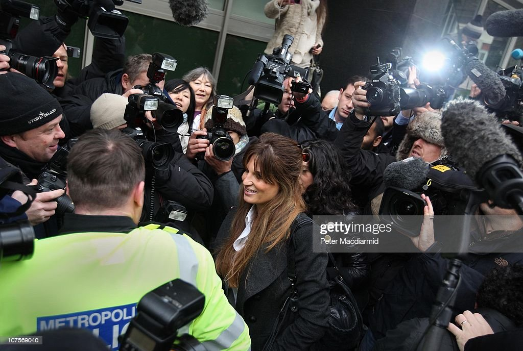 <a gi-track='captionPersonalityLinkClicked' href=/galleries/search?phrase=Jemima+Khan&family=editorial&specificpeople=206925 ng-click='$event.stopPropagation()'>Jemima Khan</a> arrives at Westminster Magistrates court as Wikileaks founder <a gi-track='captionPersonalityLinkClicked' href=/galleries/search?phrase=Julian+Assange&family=editorial&specificpeople=7117000 ng-click='$event.stopPropagation()'>Julian Assange</a> appeals for bail on December 14, 2010 in London, England. Mr Assange is expected to seek bail during his extradition hearings.