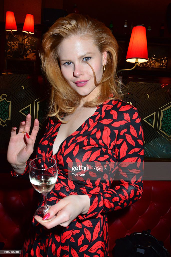 Jemma Brownless attends La Closerie Ses Lilas Literary Awards 2013 - 6th Edition At La Closerie Des Lilas on April 9, 2013 in Paris, France.