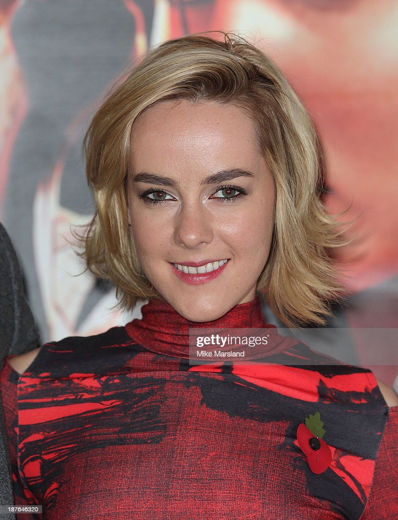 <a gi-track='captionPersonalityLinkClicked' href=/galleries/search?phrase=Jena+Malone&family=editorial&specificpeople=216548 ng-click='$event.stopPropagation()'>Jena Malone</a> attends a photocall for 'The Hunger Games: Catching Fire' on November 11, 2013 in London, England.