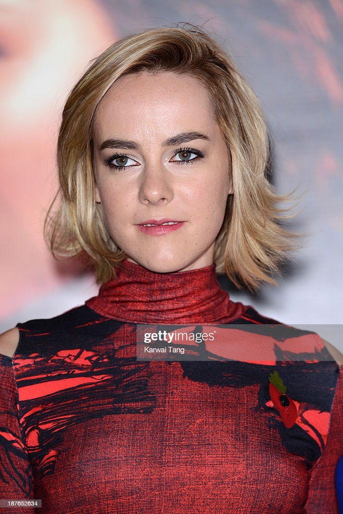 <a gi-track='captionPersonalityLinkClicked' href=/galleries/search?phrase=Jena+Malone&family=editorial&specificpeople=216548 ng-click='$event.stopPropagation()'>Jena Malone</a> attends a photocall for 'The Hunger Games: Catching Fire' held at the Corinthia Hotel on November 11, 2013 in London, England.