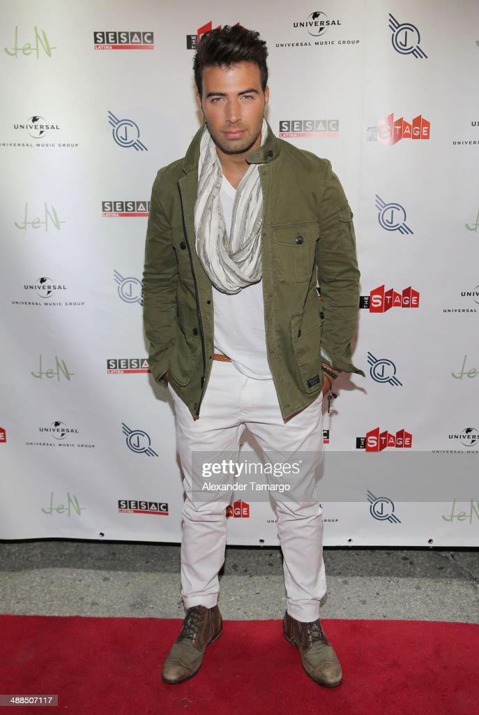 <a gi-track='captionPersonalityLinkClicked' href=/galleries/search?phrase=Jencarlos+Canela&family=editorial&specificpeople=4290761 ng-click='$event.stopPropagation()'>Jencarlos Canela</a> arrives at his private concert to present his new album 'Jen' at The Stage on May 6, 2014 in Miami, Florida.