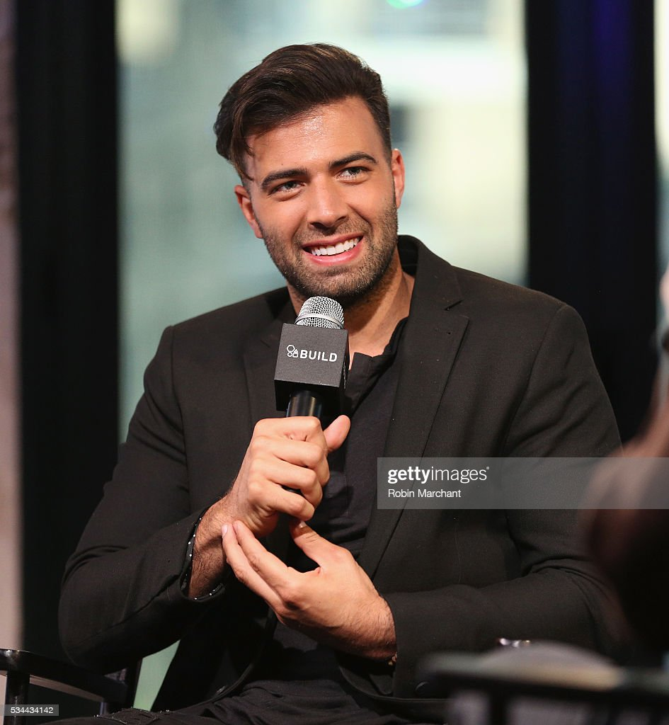 <a gi-track='captionPersonalityLinkClicked' href=/galleries/search?phrase=Jencarlos+Canela&family=editorial&specificpeople=4290761 ng-click='$event.stopPropagation()'>Jencarlos Canela</a> attends AOL Build Presents at AOL Studios In New York on May 26, 2016 in New York City.