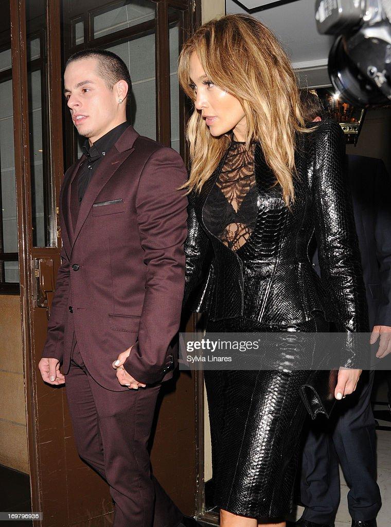 Jenifer Lopez and Casper Smart leaving The Dorchester Hotel on June 1 2013 in London England