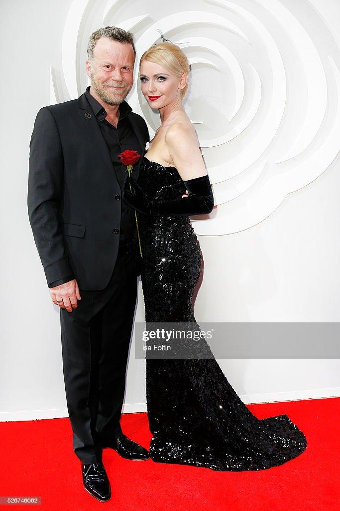 Jenke von Wilmsdorff and Mia Bergmann-Bohlmann attend the Rosenball 2016 on April 30, 2016 in Berlin, Germany.