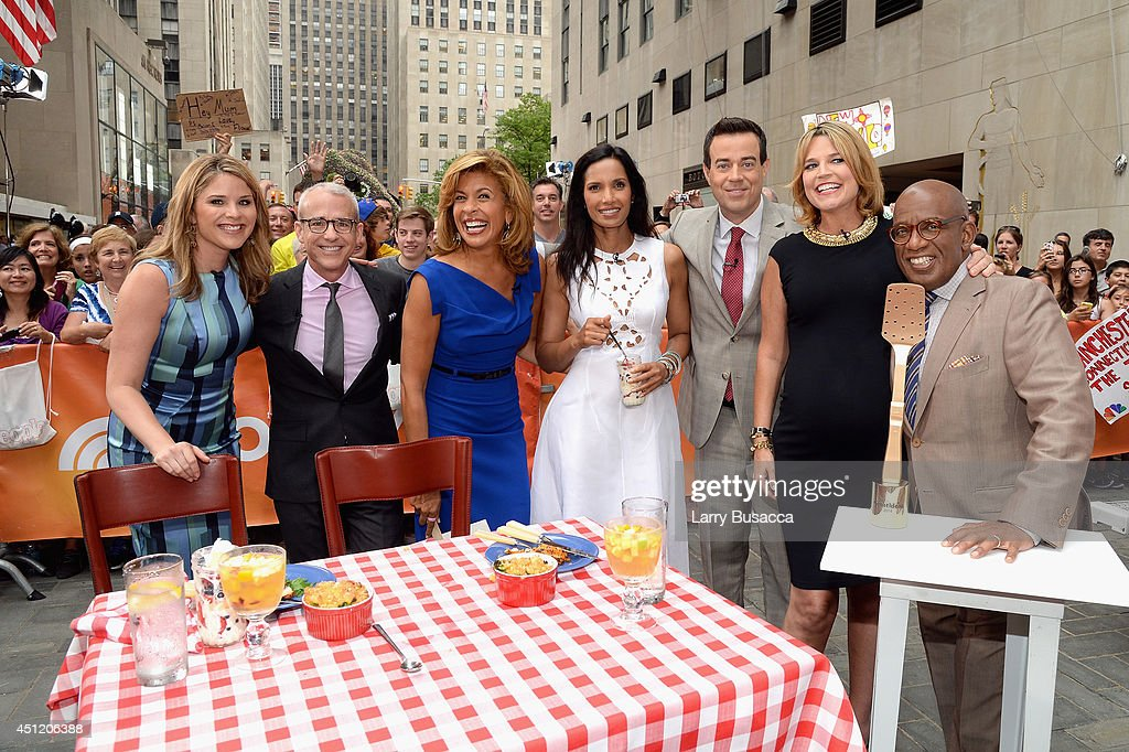 Jenna Bush Hager Jess Cagle Hoda Kotb Padma Lakshmi Carson Daly Savannah Guthrie and Al Roker attend the cookoff hosted by People's 'Great Ideas'...