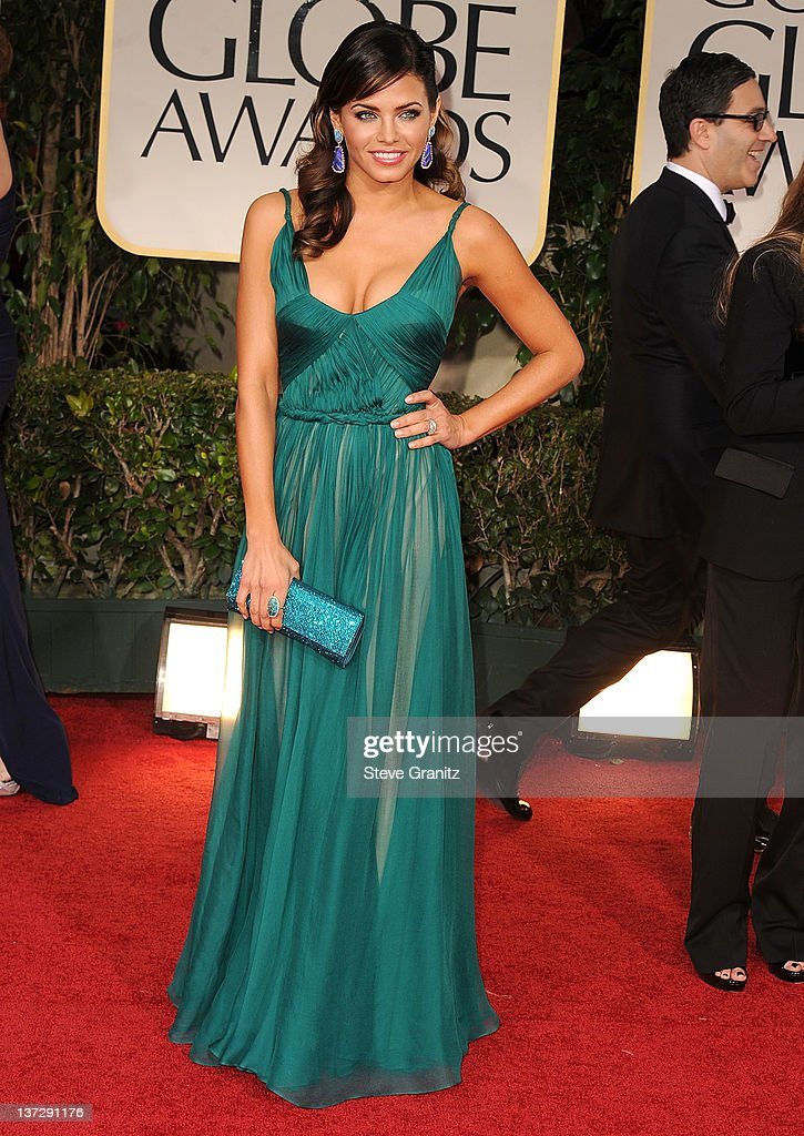 Jenna Dewan arrives at the 69th Annual Golden Globe Awards at The Beverly Hilton hotel on January 15, 2012 in Beverly Hills, California.