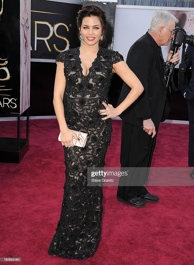 Jenna Dewan arrives at the 85th Annual Academy Awards at Dolby Theatre on February 24, 2013 in Hollywood, California.