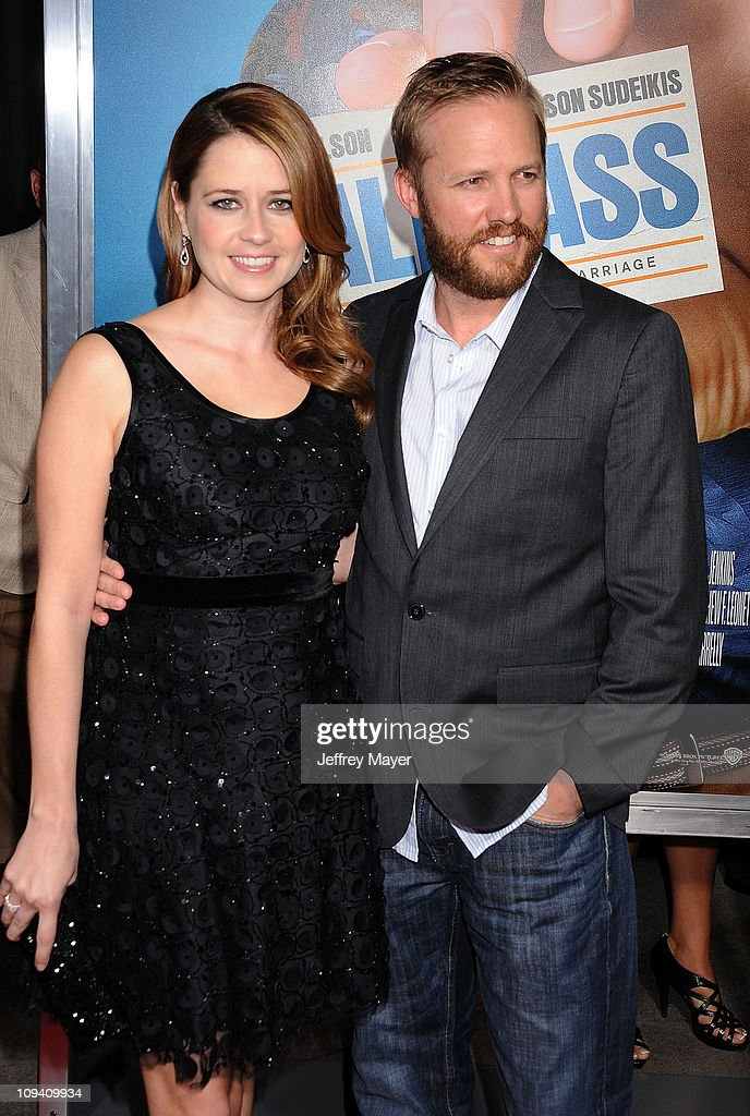 <a gi-track='captionPersonalityLinkClicked' href=/galleries/search?phrase=Jenna+Fischer&family=editorial&specificpeople=274744 ng-click='$event.stopPropagation()'>Jenna Fischer</a> and <a gi-track='captionPersonalityLinkClicked' href=/galleries/search?phrase=Lee+Kirk&family=editorial&specificpeople=6364170 ng-click='$event.stopPropagation()'>Lee Kirk</a> arrive for the Los Angeles Premiere of 'Hall Pass' at ArcLight Cinemas Cinerama Dome on February 23, 2011 in Hollywood, California.