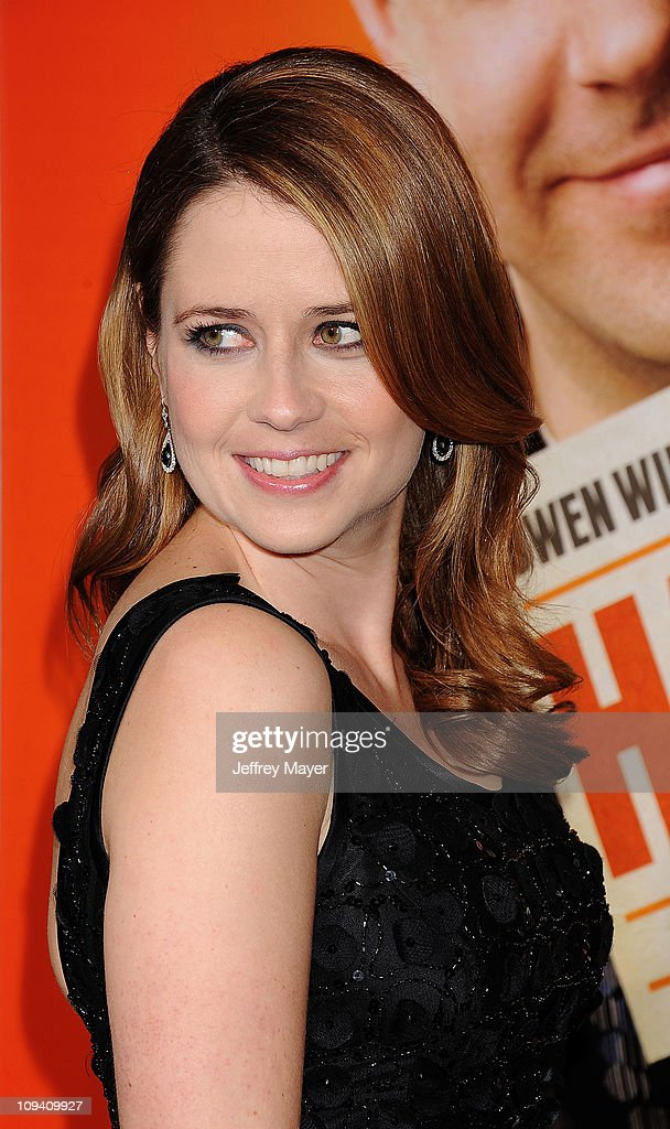 Jenna Fischer arrives for the Los Angeles Premiere of 'Hall Pass' at ArcLight Cinemas Cinerama Dome on February 23, 2011 in Hollywood, California.