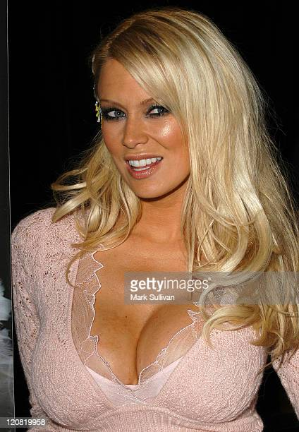 Jenna Jameson during Jenna Jameson Signs Her New Book 'How To Make Love Like a Porn Star' August 26 2004 at Book Soup in West Hollywood California...