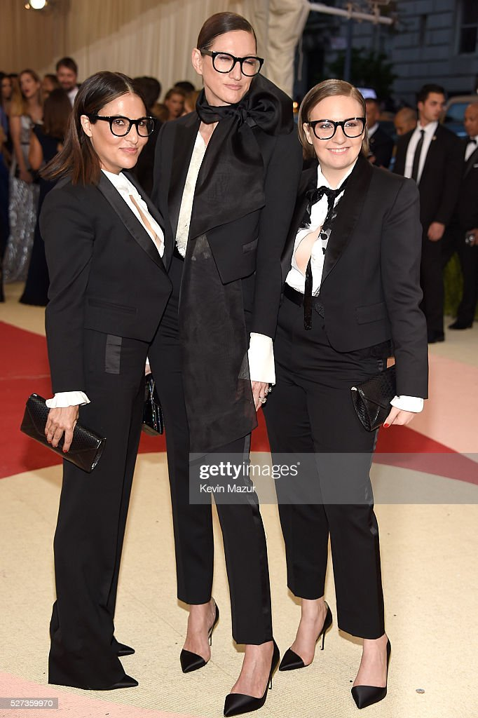 Jenna Lyons and Lena Dunham attend 'Manus x Machina: Fashion In An Age Of Technology' Costume Institute Gala at Metropolitan Museum of Art on May 2, 2016 in New York City.