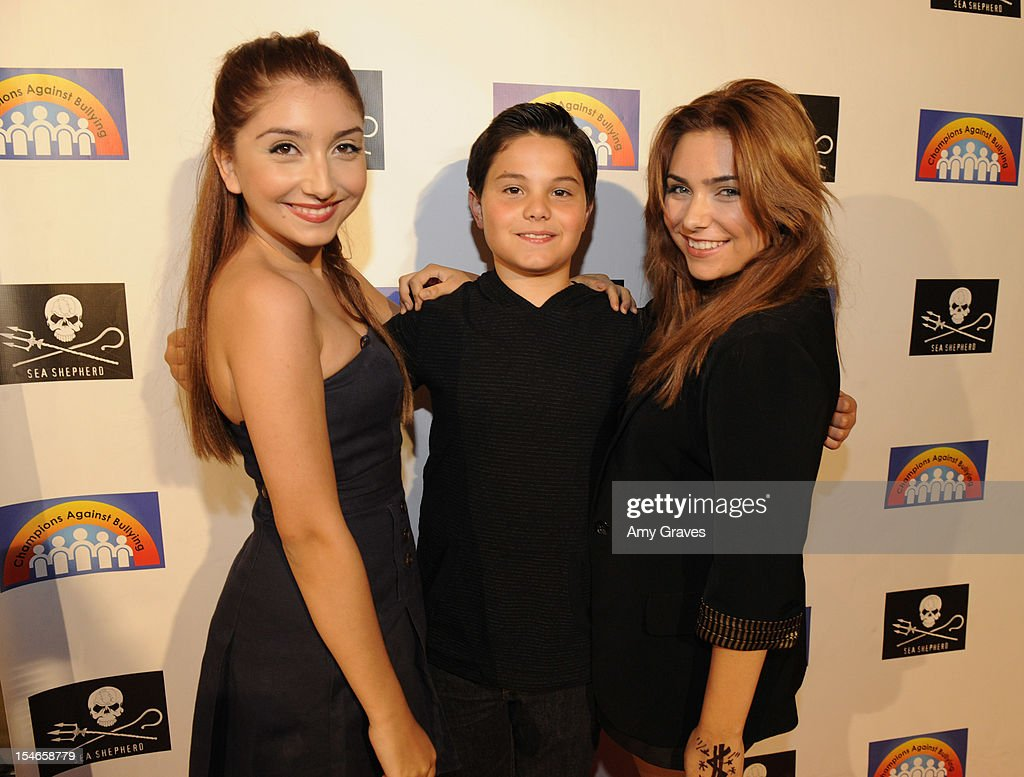 <a gi-track='captionPersonalityLinkClicked' href=/galleries/search?phrase=Jennessa+Rose&family=editorial&specificpeople=5906010 ng-click='$event.stopPropagation()'>Jennessa Rose</a>, Zach Callison and Julianna Rose attend the 'Rock Jocks' Screening to Celebrate Zach Callison's 15th Birthday on October 23, 2012 in Hollywood, California.