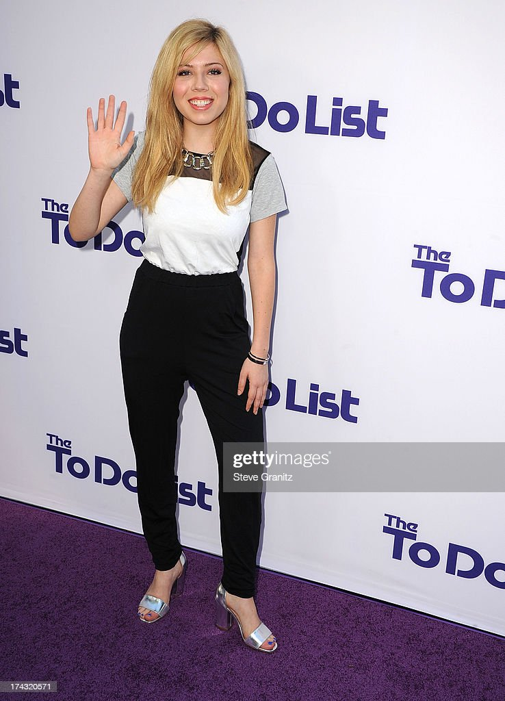 Jennette McCurdy arrives at the CBS Films 'The To Do List' at Regency Bruin Theatre on July 23, 2013 in Los Angeles, California.