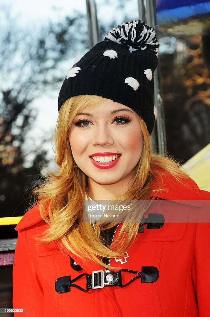 Jennette McCurdy attends 86th Annual Macy's Thanksgiving Day Parade on November 22, 2012 in New York City.