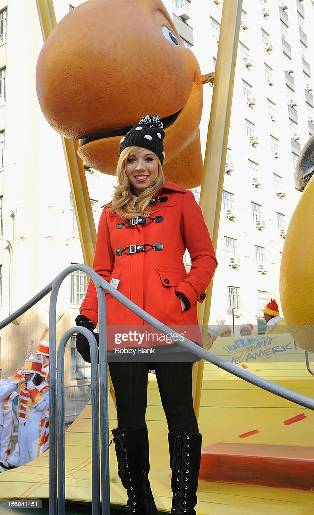 Jennette McCurdy attends the 86th Annual Macy's Thanksgiving Day Parade on November 22, 2012 in New York City.
