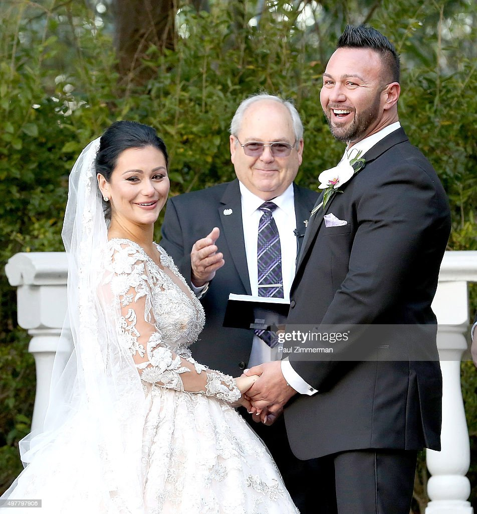 Jenni Jwoww Farley And Roger Mathews Exchange Weddig Vows At The Wedding Of Television