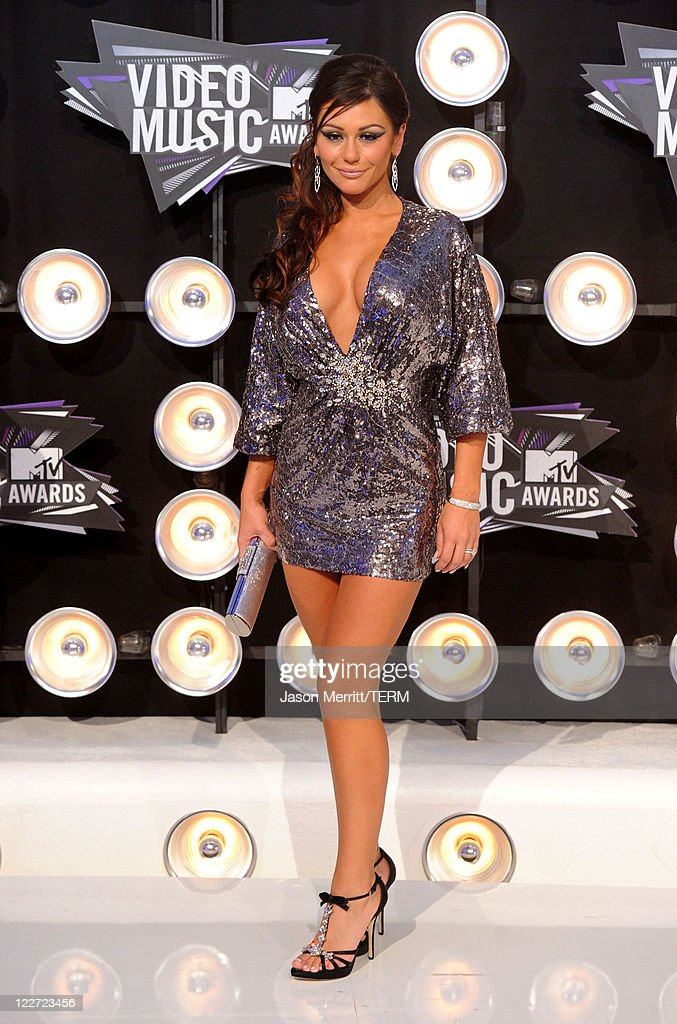 Jenni 'JWoww' Farley arrives at the 2011 MTV Video Music Awards at Nokia Theatre L.A. LIVE on August 28, 2011 in Los Angeles, California.
