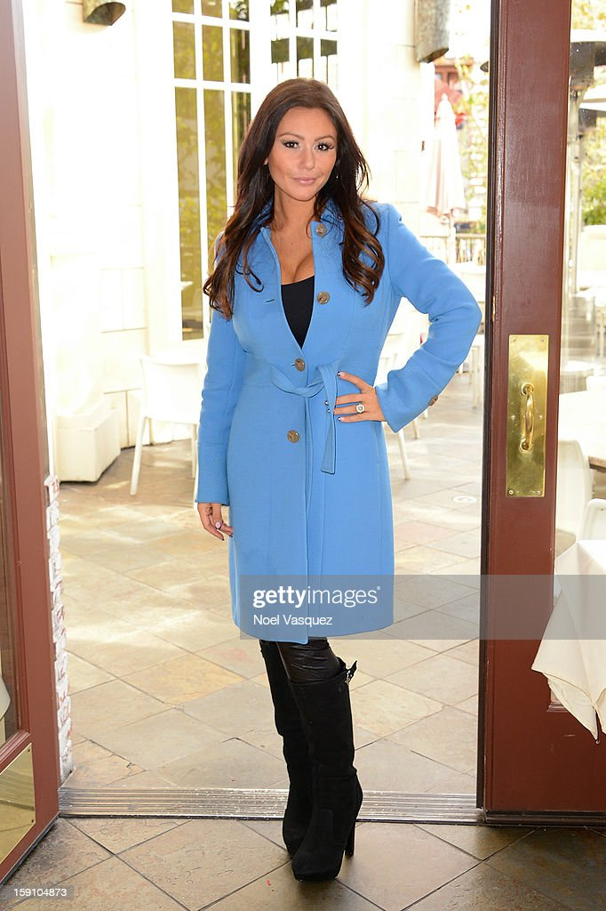 Jenni 'Jwoww' Farley visits Extra at The Grove on January 7, 2013 in Los Angeles, California.