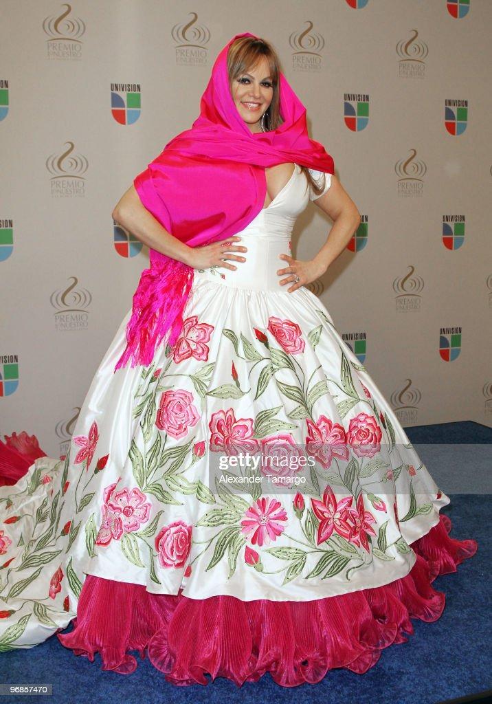 2010 Premio Lo Nuestro a La Musica Latina Awards - Press Room