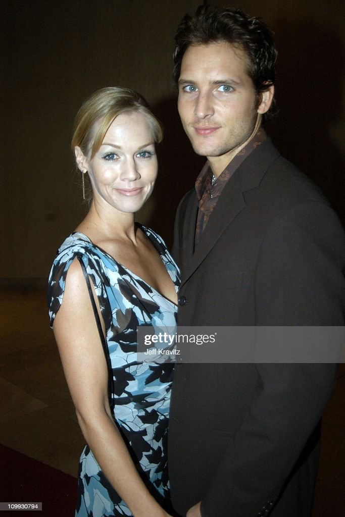 Jennie Garth and Peter Facinelli during The Lili Claire Foundation's 6th Annual Benefit Hosted by Matthew Perry Red Carpet Arrivals at The Beverly...