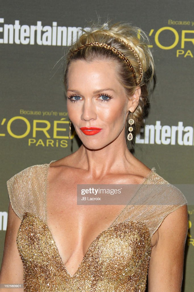 <a gi-track='captionPersonalityLinkClicked' href=/galleries/search?phrase=Jennie+Garth&family=editorial&specificpeople=210841 ng-click='$event.stopPropagation()'>Jennie Garth</a> attends the 2012 Entertainment Weekly Pre-Emmy Party at Fig & Olive Melrose Place on September 21, 2012 in West Hollywood, California.