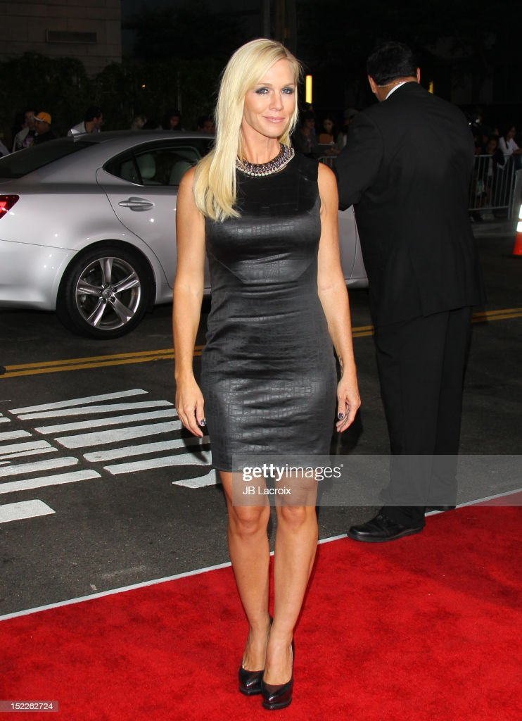 Jennie Garth attends the 'End Of Watch' Los Angeles premiere at Regal Cinemas L.A. Live on September 17, 2012 in Los Angeles, California.