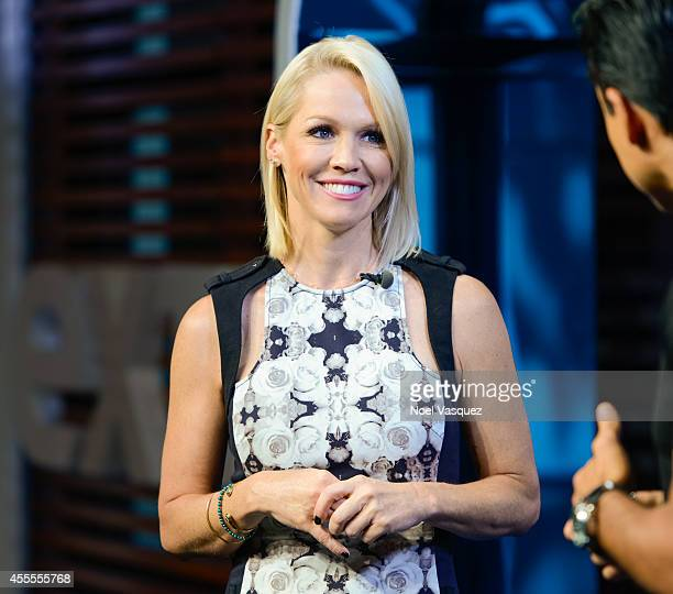 Jennie Garth visits 'Extra' at Universal Studios Hollywood on September 16 2014 in Universal City California