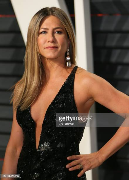 Jennifer Aniston attends the 2017 Vanity Fair Oscar Party hosted by Graydon Carter at Wallis Annenberg Center for the Performing Arts on February 26...