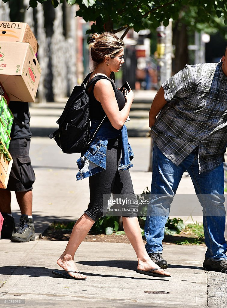 <a gi-track='captionPersonalityLinkClicked' href=/galleries/search?phrase=Jennifer+Aniston&family=editorial&specificpeople=202048 ng-click='$event.stopPropagation()'>Jennifer Aniston</a> seen on the streets of Manhattan on June 24, 2016 in New York City.