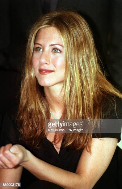 Jennifer Aniston star of the American sitcom Friends at a photocall in London where they are filming for the last episode of their current series *...