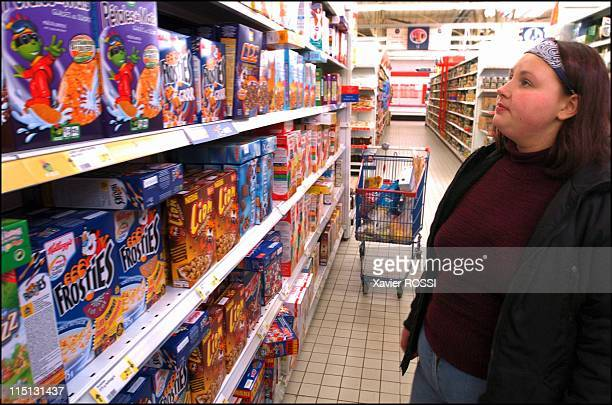Obese teenagers get a second chance in Sanary Sur Mer France in May 2004 March 2004 Jennifer at an Auxerre supermarket The boxes of cereals which...