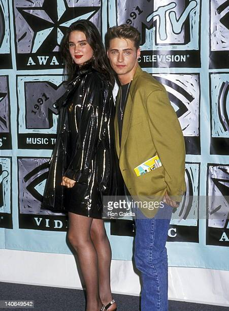 Jennifer Connelly and Jason Priestley at the 8th Annual MTV Video Music Awards Universal Amphitheatre Universal City