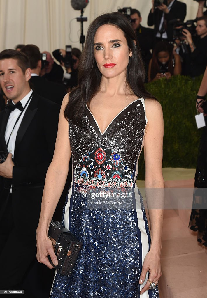 Jennifer Connelly attends the 'Manus x Machina: Fashion In An Age Of Technology' Costume Institute Gala at Metropolitan Museum of Art on May 2, 2016 in New York City.