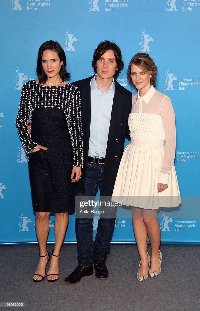 <a gi-track='captionPersonalityLinkClicked' href=/galleries/search?phrase=Jennifer+Connelly&family=editorial&specificpeople=201581 ng-click='$event.stopPropagation()'>Jennifer Connelly</a>, <a gi-track='captionPersonalityLinkClicked' href=/galleries/search?phrase=Cillian+Murphy&family=editorial&specificpeople=224782 ng-click='$event.stopPropagation()'>Cillian Murphy</a> and <a gi-track='captionPersonalityLinkClicked' href=/galleries/search?phrase=Melanie+Laurent&family=editorial&specificpeople=2721978 ng-click='$event.stopPropagation()'>Melanie Laurent</a> attend the 'Aloft' photocall during 64th Berlinale International Film Festival at Grand Hyatt Hotel on February 12, 2014 in Berlin, Germany.