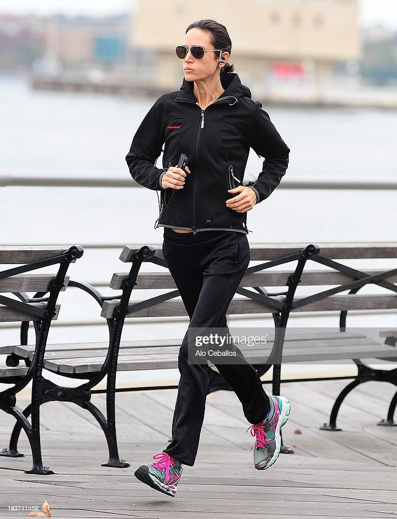 <a gi-track='captionPersonalityLinkClicked' href=/galleries/search?phrase=Jennifer+Connelly&family=editorial&specificpeople=201581 ng-click='$event.stopPropagation()'>Jennifer Connelly</a> is seen on the Hudson River Park on October 9, 2013 in New York City.