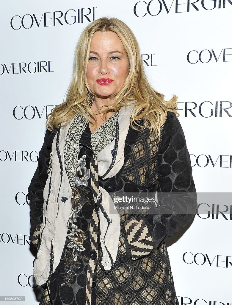 Jennifer Coolidge attends the TR Suites Daytime Lounge - Day 3 on January 20, 2013 in Park City, Utah.
