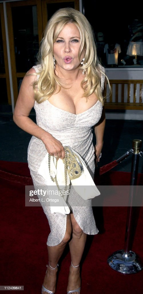 <a gi-track='captionPersonalityLinkClicked' href=/galleries/search?phrase=Jennifer+Coolidge&family=editorial&specificpeople=239149 ng-click='$event.stopPropagation()'>Jennifer Coolidge</a> during 'American Wedding' Premiere in Universal City, California, United States.