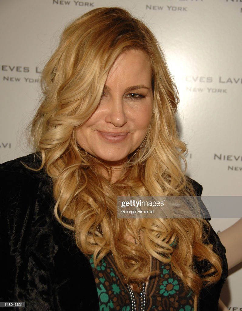 <a gi-track='captionPersonalityLinkClicked' href=/galleries/search?phrase=Jennifer+Coolidge&family=editorial&specificpeople=239149 ng-click='$event.stopPropagation()'>Jennifer Coolidge</a> during Haven House 2007 Oscar Suite - Day 2 at Private Residence in Beverly Hills, California, United States.