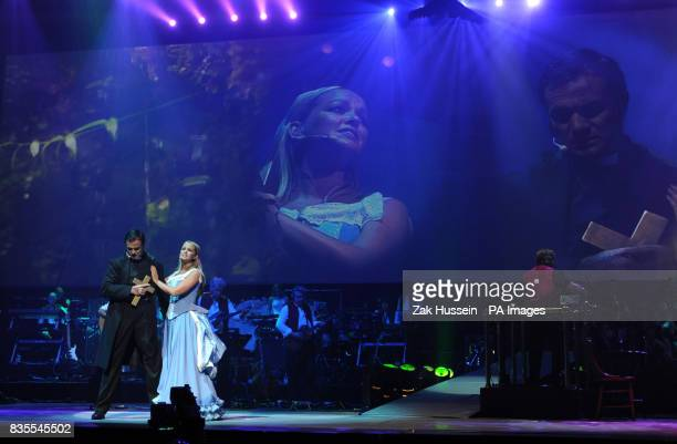 Jennifer Ellison and Shannon Noll during a dress rehearsal of War Of The Worlds at Elstree Studios Borehamwood in Hertfordshire