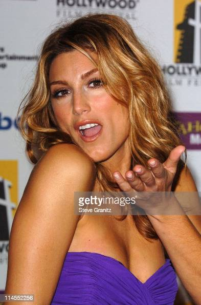 Jennifer Esposito Pictures 100