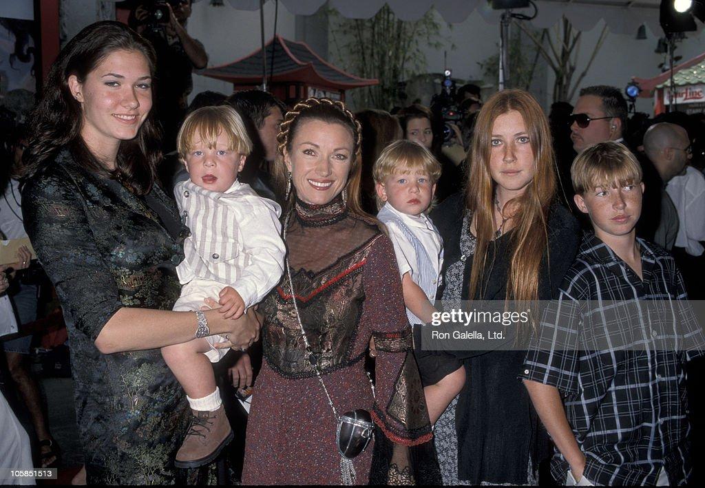 Jennifer Flynn, Jane Seymour, Katherine Flynn, Sean Flynn, and twins Kristopher Keach and John Keach