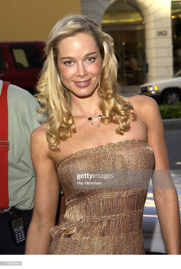 Jennifer Gareis during A. Testoni and Movieline Host Grand Re-Opening of Rodeo Drive Store at A. Testoni-Beverly Hills Store in Beverly Hills, California, United States.