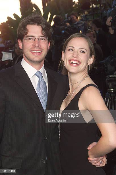 Jennifer Garner and Scott Foley arriving at the Vanity Fair Oscar Party 2002 at Morton's in Los Angeles CA March 24 2002 Photo Evan...