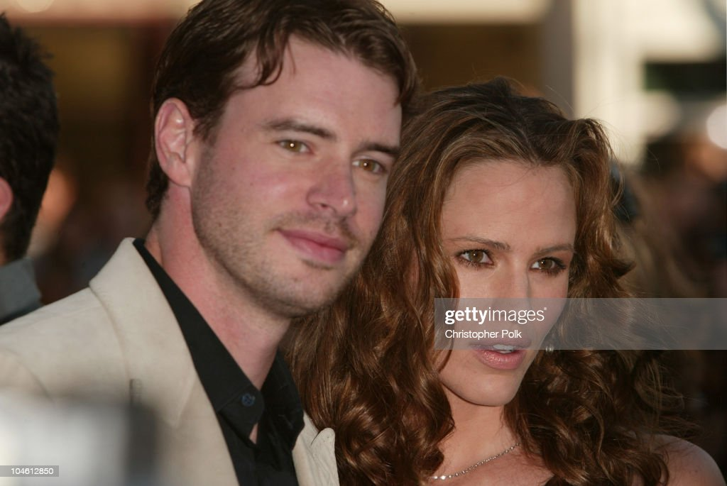 Jennifer Garner and Scott Foley during Daredevil Premiere Arrivals at Mann Village Theatre in Westwood CA United States
