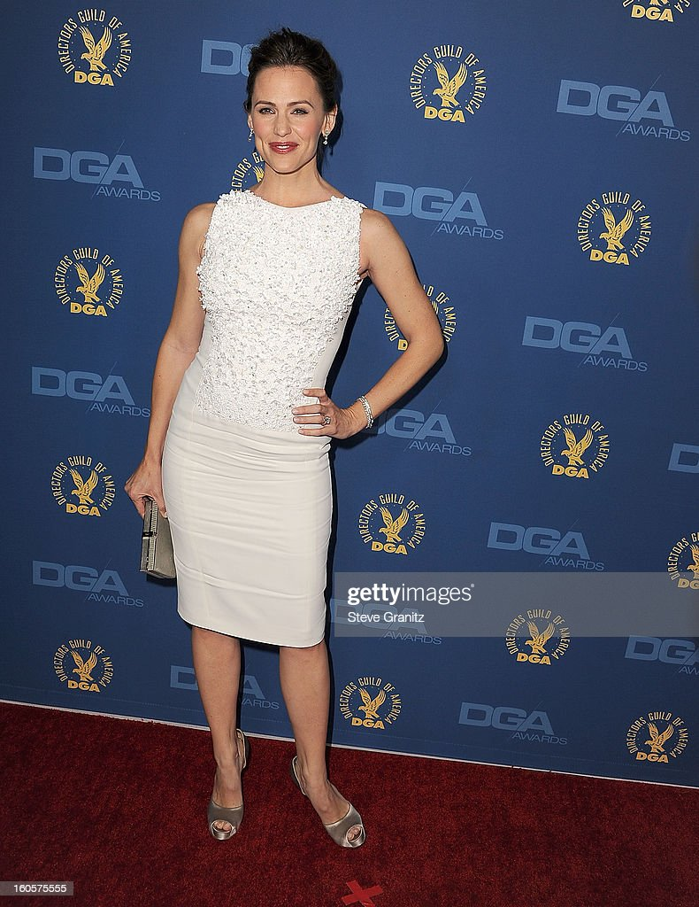 Jennifer Garner arrives at the 65th Annual Directors Guild Of America at The Ray Dolby Ballroom at Hollywood & Highland Center on February 2, 2013 in Hollywood, California.