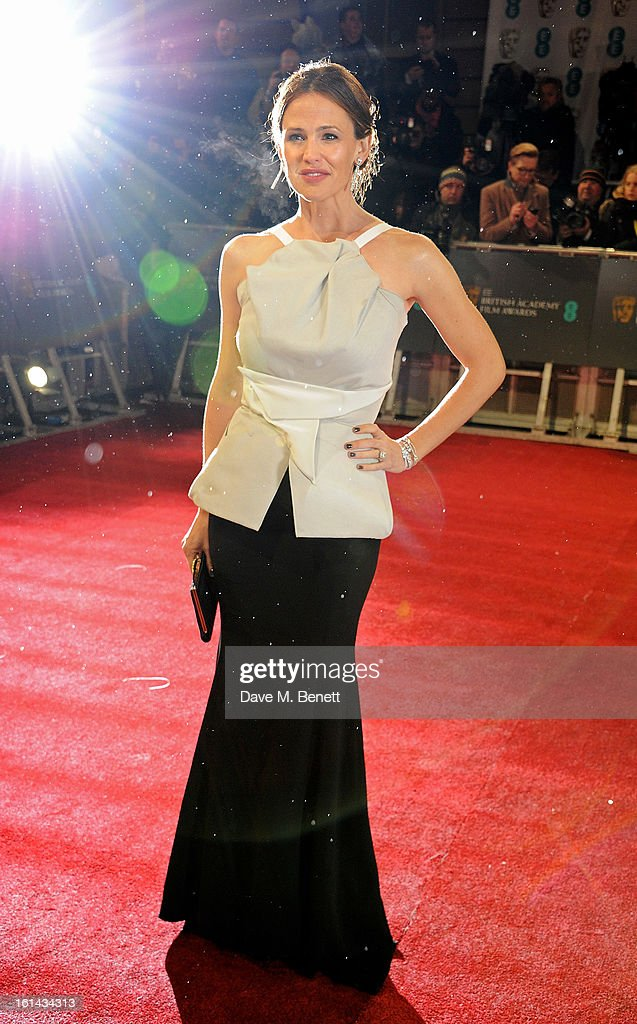 Jennifer Garner arrives at the EE British Academy Film Awards at the Royal Opera House on February 10, 2013 in London, England.